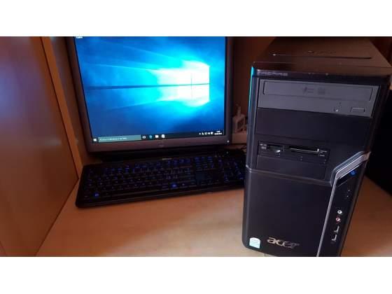 PC completo con installato Windows.10 + monitor e tastiera