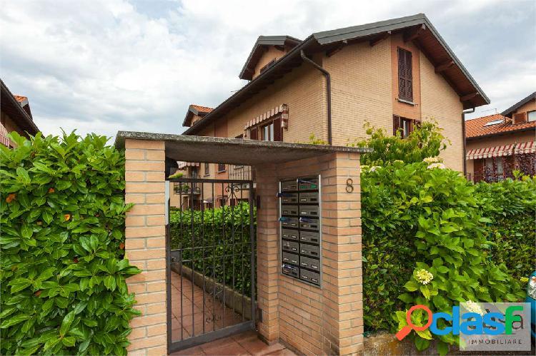 Appartamento duplex in vendita a Buguggiate