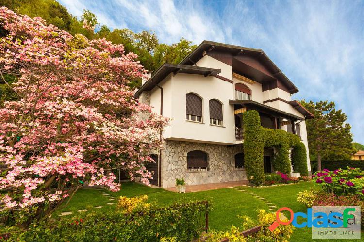 Villa singola in vendita a Induno Olona.