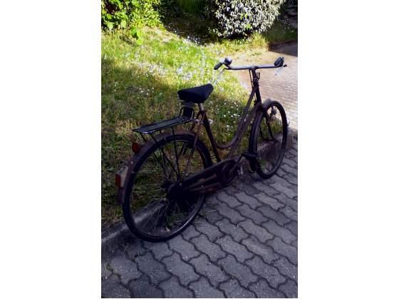 Bicicletta bianchi da donna con freni a bacchetta anno