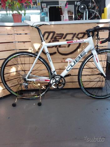 Bici da corsa usata cube alluminio