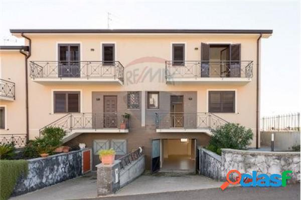 Pedara Villa in vendita 5 Locali 175.000 EUR T5178