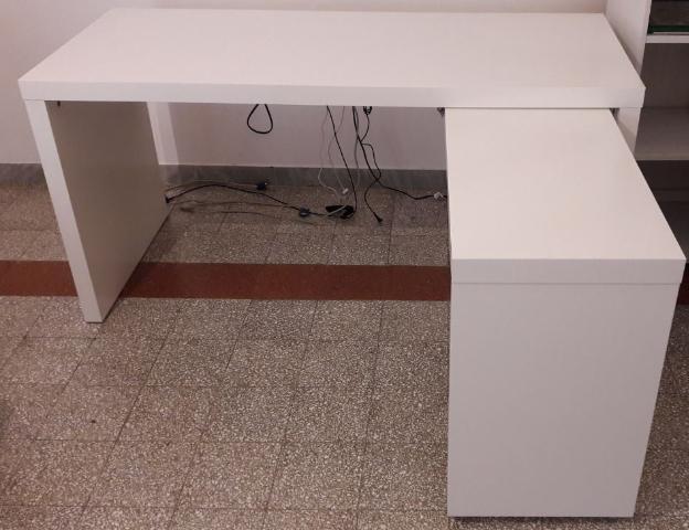 Vendo scrivania fredrik ikea posot class for Ikea malm scrivania