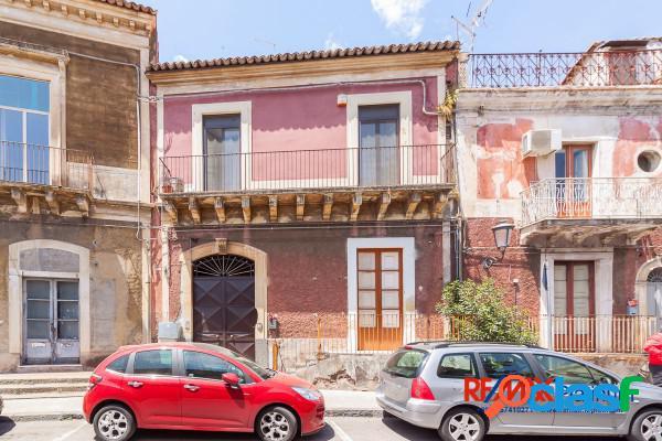 San Giovanni la Punta - 7 locali € 80000 T4183