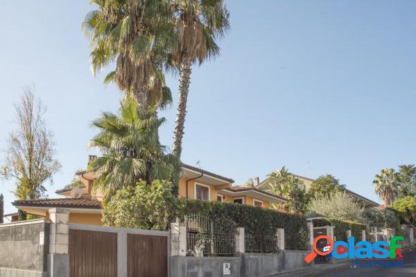 San Giovanni la Punta Villa 12 Locali 420.000 EUR T1202