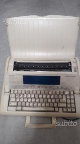 Macchina da scrivere elettronica Olivetti