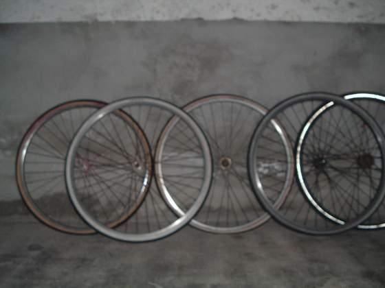 Telaio bici MTB, copertoni, cerchioni, cestino, seggiolino
