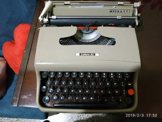 Macchina da scrivere Olivetti lettera 22 in ottime