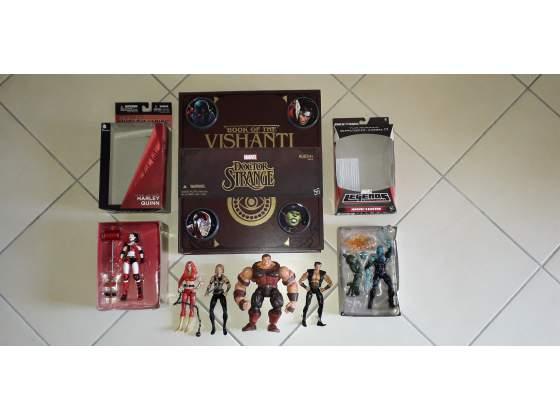 Set lotto Marvel e DC action figures e carte personaggi RARI