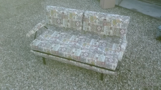 Divano letto divani e divani mod klaus posot class - Divano finta pelle rovinato ...