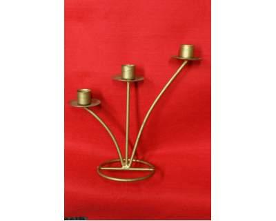 Candeliere tre braccia ferro battuto laccato oro