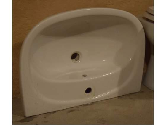 Lavabo sospeso per bagno in ottimo stato