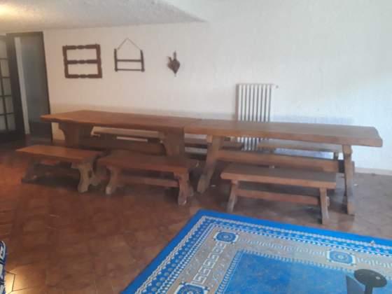 Tavoli e panche per taverna in legno rovere effetto naturale