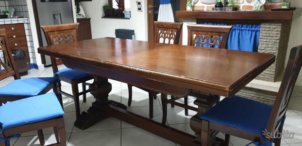 Tavolo in legno massello allungabile