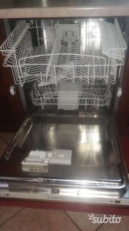Offro lavastoviglie da incasso ariston li620   Posot Class