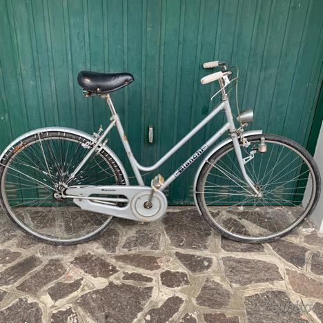 Bici donna bicicletta città bici bianchi
