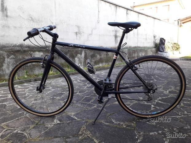 Bicicletta mountain bike da ragazzo