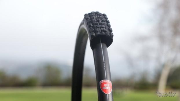 Due gomma piene per Mountain bike antiforatura
