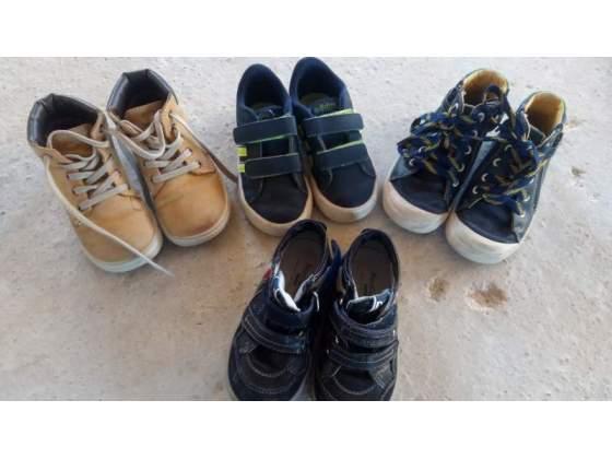 Stock di 4 paia. di scarpe di. marca
