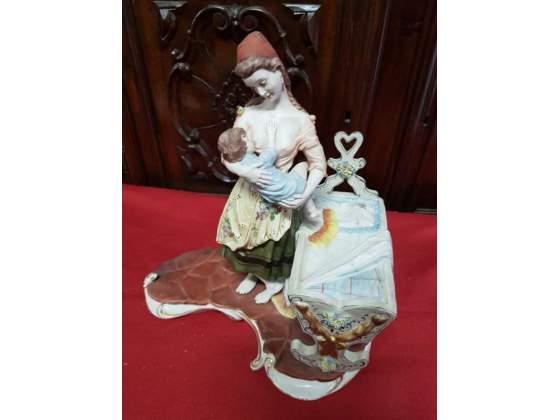 Maternita' vintage in porcellana di capodimonte