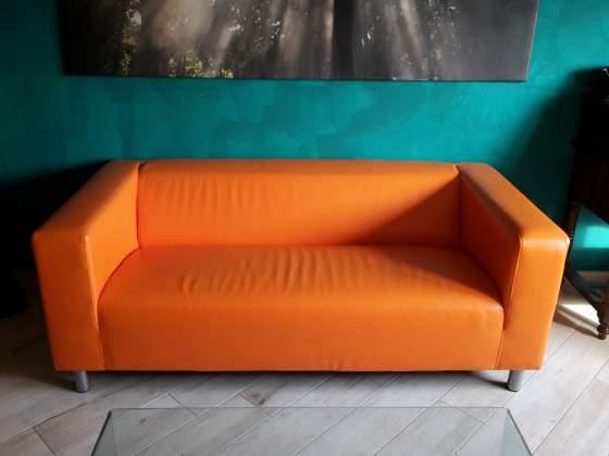 N°2 divani finta pelle arancione