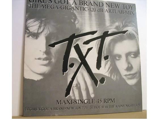 "TXT ""Girl's got a brand new toy"" 45rpm Maxi Single CBS"