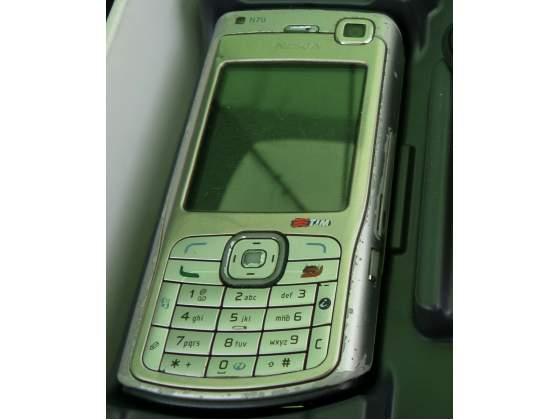 Celluare datato Nokia N70 funzionante