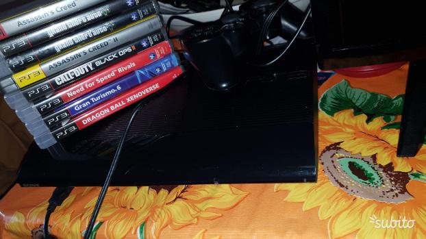 Ps3 da 500gb completa di giochi e controller