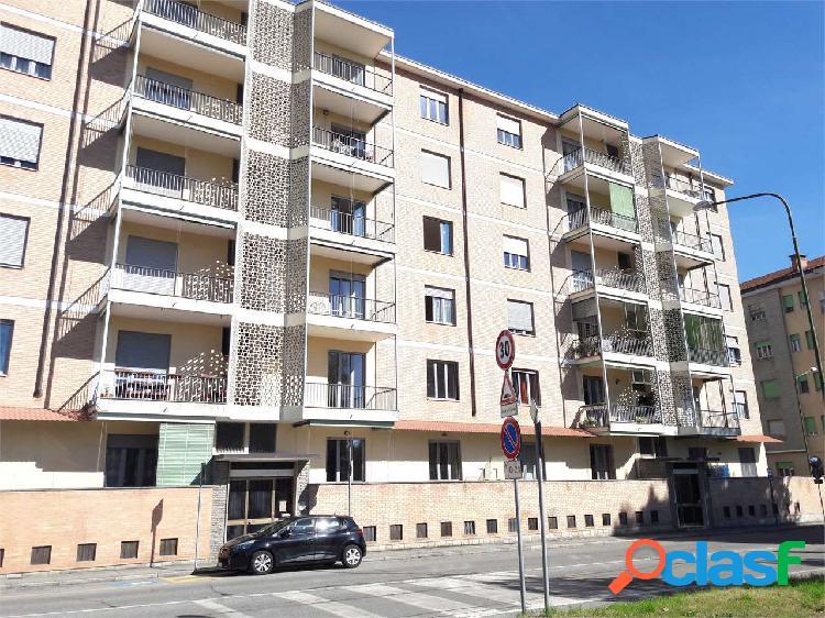 Appartamento con box in Pinerolo