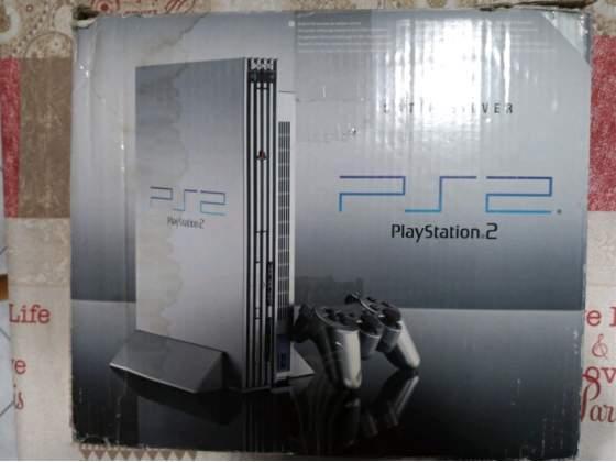 PlayStation 2 Fat + 12 giochi + 3 giochi PC