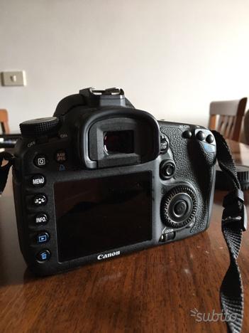 Reflex canon EOS 7D, obiettivo Canon 50mm 1.8 etc