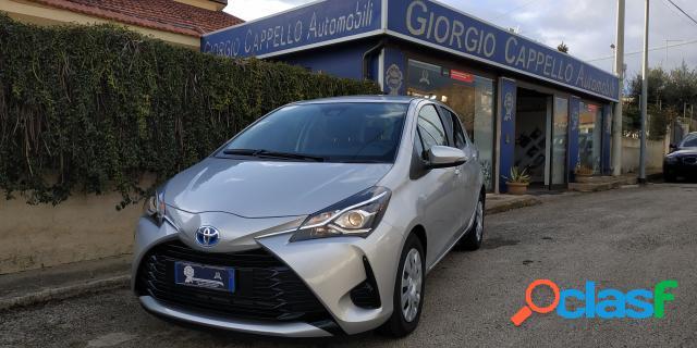 TOYOTA Yaris elettrica-benzina in vendita a Ragusa (Ragusa)