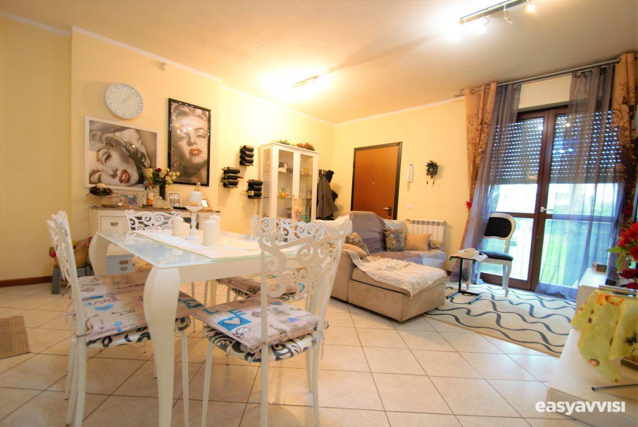 Appartamento trilocale 70 mq, provincia di lucca