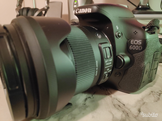 Canon EOS 600D solo Body + due batterie