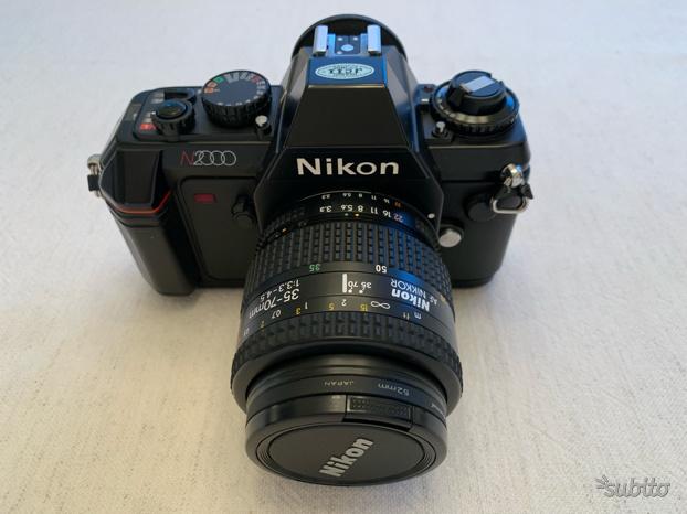 Canon reflex N con flash elettronico