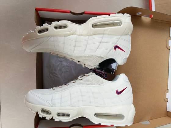 Nike esclusiva foot loker | Posot Class