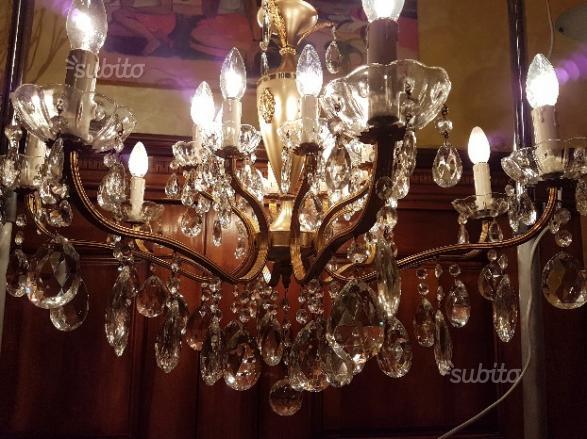 Lampadario 16 luci in ottone gocce di cristallo
