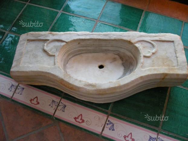 Lavabo antico in marmo