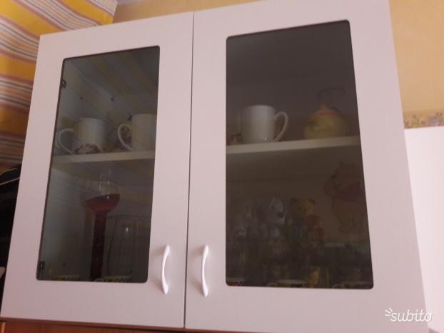 Pensile a vetrina da cucina