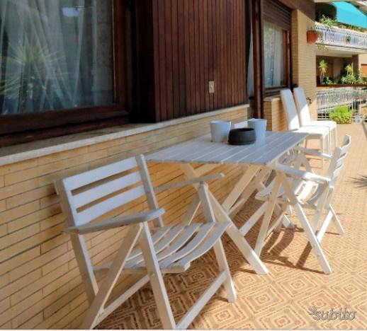Set tavolo da terrazzo con 4 sedie