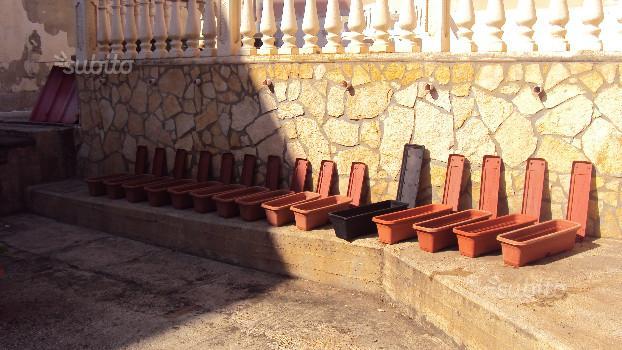 Vasi rettangolari in plastica verde stock di posot class for Fioriere rettangolari in plastica