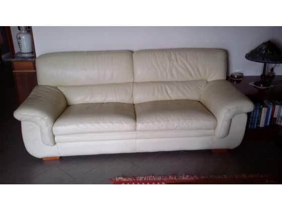 Divano in pelle 5 posti con chaise lounge posot class for Divano 100 euro