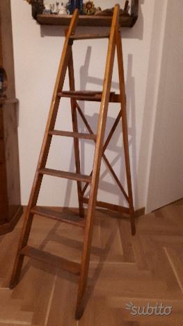 Vintage Scala in legno con 4 gradini