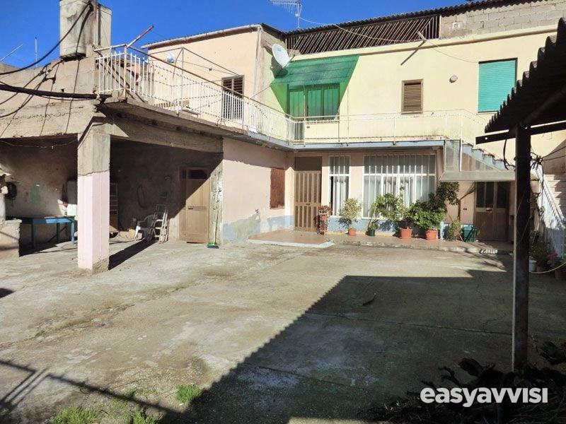 Casa indipendente 280 mq arredato, provincia dellogliastra