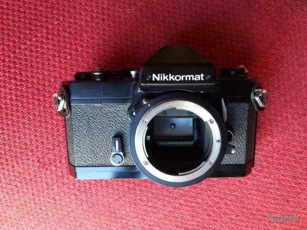 Nikon Nikkormat FT2 Black con oculare