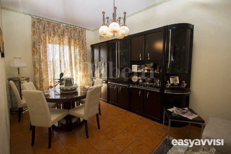 Appartamento trilocale 80 mq, provincia di catania