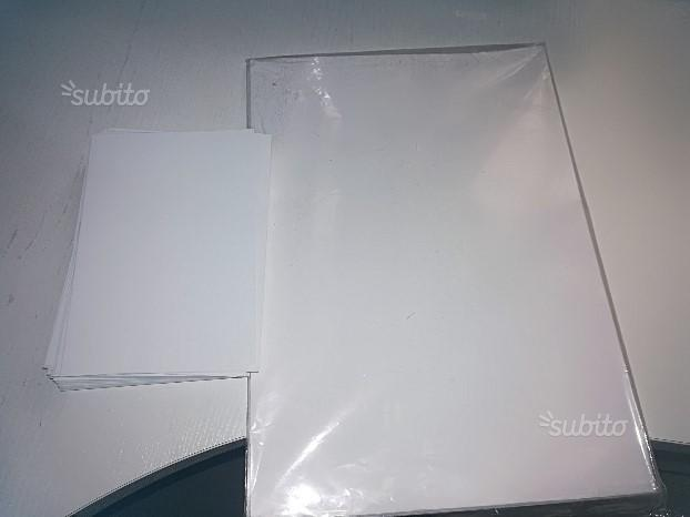Carta lucida per stampare foto