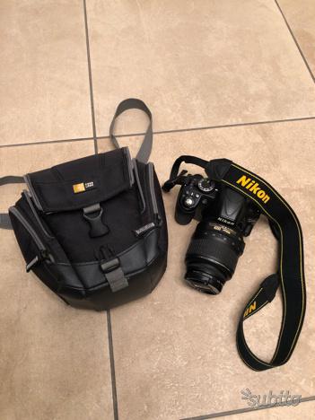 Reflex NIKON D con borsa