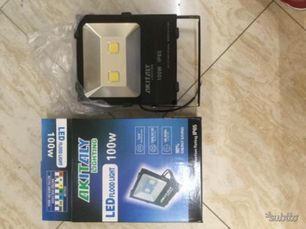 Faretti LED Esterni 100W