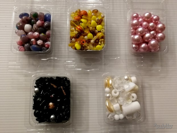 Lotto 5 confezioni perle vetro assortite